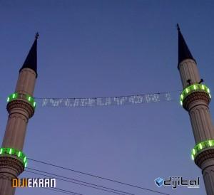 Çayırova Merkez Camii Mahya Montajı - 26/07/2012